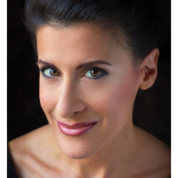 Headshot_Lynn Julian_Boston Actress_Rembrandt_Erica Derrickson_13_NAME BORDER